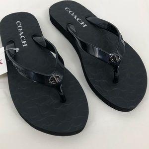 Coach Abbigail flip flops size 6